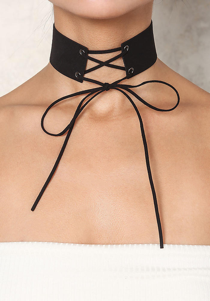 dac9865292df7 How to Tie a Choker: 5 Trendy Ways   Women Elite